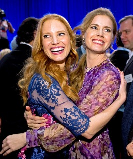 1360079452_jessica-chastain-amy-adams-lg